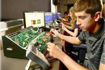 Electronics_WorkingatComp