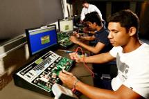 Electronics_tech_student
